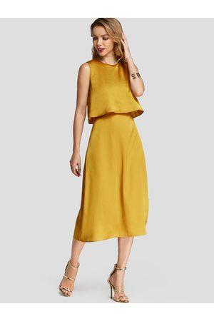 YOINS Plain Crew Neck Sleeveless Slit Design Midi Dress