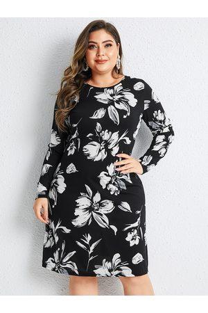 YOINS Plus Size Random Floral Print Jersey Dress