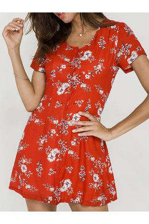 YOINS Scoop Neck & button-down Front Random Floral Print Dress in Red