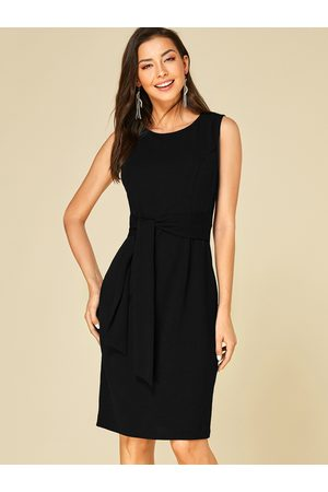 YOINS Pleated Sleeveless Work Dress
