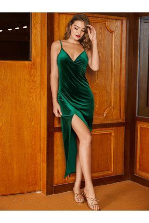 YOINS Backless Design Deep V Neck Dress
