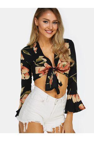YOINS Random Floral Print Tie-up Front Bell Sleeves Crop Top