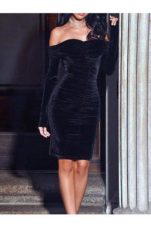 YOINS Black Off-the-shoulder Overlay Ruched Dress