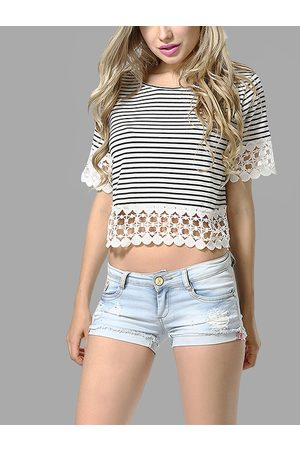 YOINS Round Neck Stripe Pattern Lace Hem Crop Top