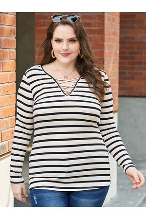 YOINS Plus Size Criss-cross Stripe V-neck Tee