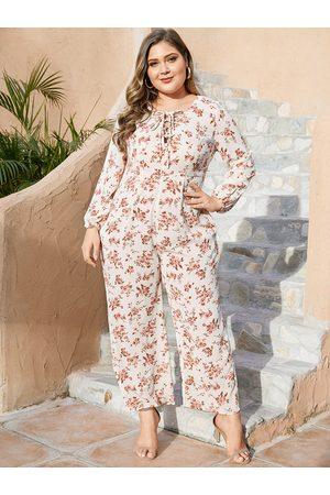 YOINS Plus Size White Random Floral Print Jumpsuit