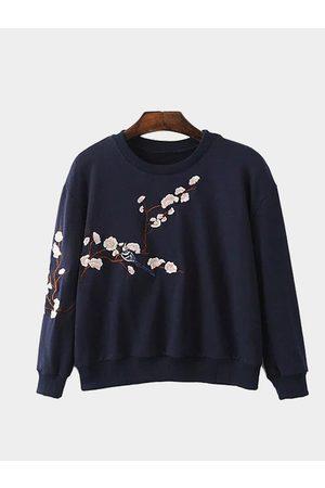 YOINS Dark Pullover Random Floral Embroidery Pattern Sweatshirt