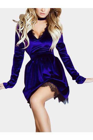 YOINS Casual Velvet V-neck Lace Hem Tight-waist Dress with belt