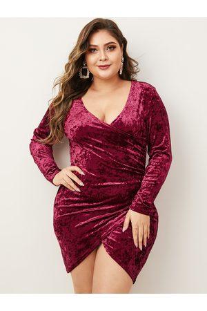 YOINS Plus Size Burgundy Slit Design Deep V Neck Dress