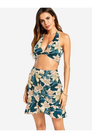 YOINS Halter Neck Crop Top and High-rise Flounced Skirts Floral Dress Set