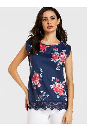 YOINS Lace Hem Floral Print Round Neck Top