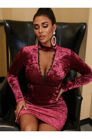 YOINS Sexy Lace Trim Cut Out Choker Neck Long Sleeves Slit Velvet Dress