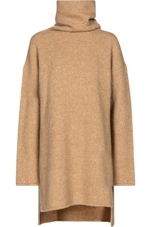 Deveaux New York Yara wool-blend turtleneck sweater