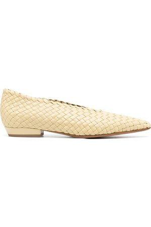 Bottega Veneta Intrecciato almond-toe ballerina shoes
