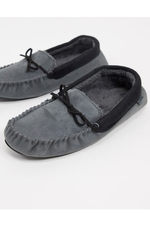 Totes Moccasin slippers in mix with faux fur lining