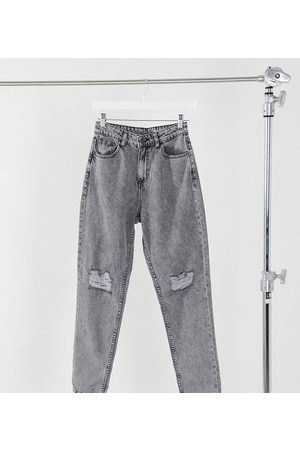 Noisy May Exclusive mom jeans with high waist and destroyed knees in light denim