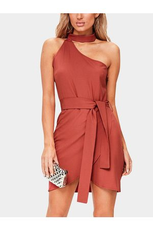 YOINS Crimson One Shoulder Sleeveless Dress with Choker