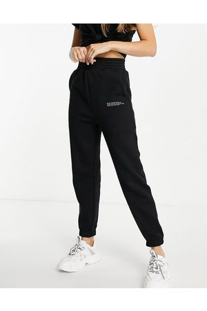 HIIT Signature joggers in