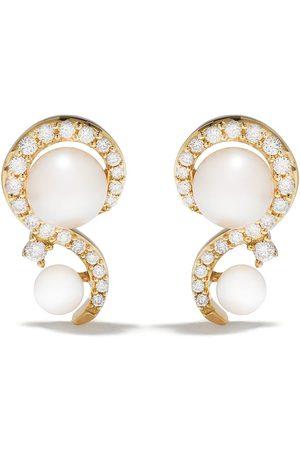 Yoko London 18kt yellow diamond pearl Trend stud earrings