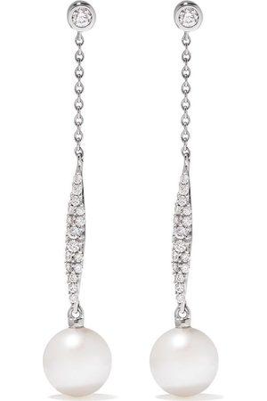 Yoko London 18kt white gold diamond pearl Trend drop earrings