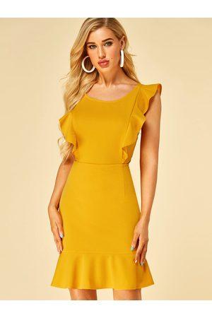 YOINS Ruffle Trim Round Neck Sleeveless Dress