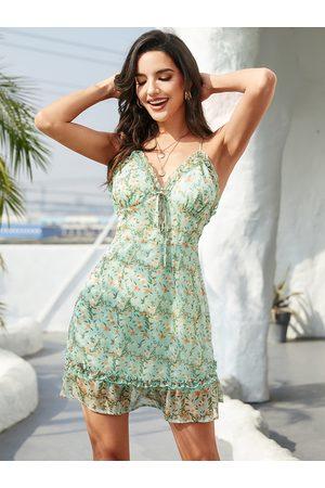 YOINS Green Floral Criss-Cross Backless Ruffle Trim Spaghetti Strap Dress