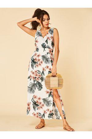 YOINS Floral Print Criss-cross V-neck Sleeveless High-Waisted Slit Hem Dress