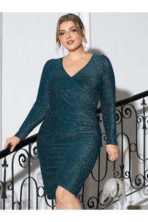 YOINS Plus Size V-neck Wrap Design Christmas Long Sleeves Mini Dress