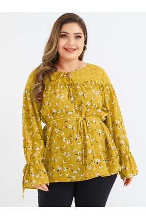 YOINS Plus Size Yellow Lace Calico Round Neck Long Sleeves Blouse