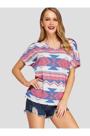YOINS Multi Color Geometrical Print V-neck Short Sleeves Tee