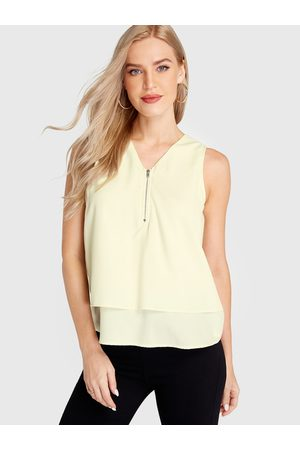 YOINS Apricot V-neck Zip Front Tiered Design Tank Top