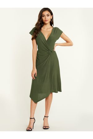 YOINS Deep V Neck Skinny Dress