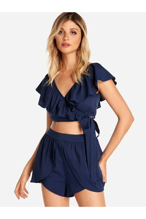 YOINS Self-tie Design V-neck Top & Middle-waisted Shorts Co-ord