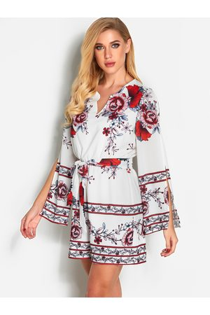 YOINS Floral Print Cut Out Sleeves Fashion Playsuit