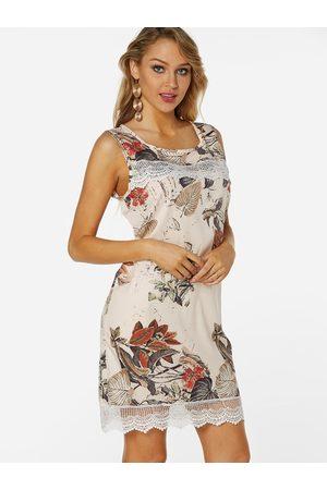YOINS Random Floral Print Lace Details Round Neck Sleeveless Dress