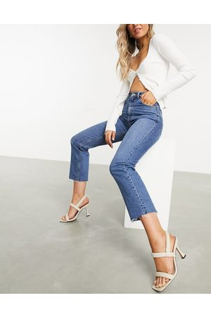 ASOS Women Stretch - High rise stretch 'effortless' crop kick flare jeans in midwash