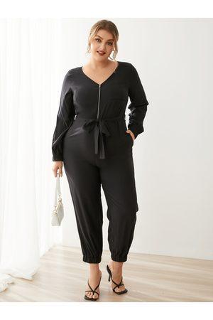 YOINS Plus Size V-neck Side Pockets Belt Design Zip Front Long Sleeves Jumpsuit