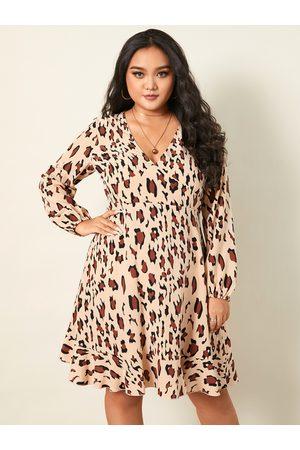 YOINS Plus Size V-neck Leopard Wrap Design Long Sleeves Mini Dress