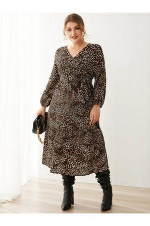 YOINS Plus Size V-neck Leopard Wrap Design Belt Design Long Sleeves Midi Dress