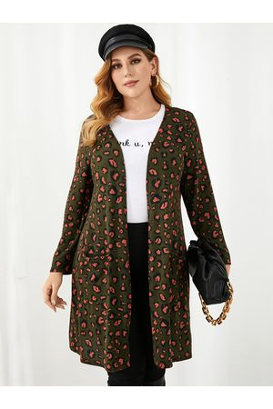 YOINS Plus Size Leopard Two Large Pockets Fluffy Knit Long Sleeves Cardigan