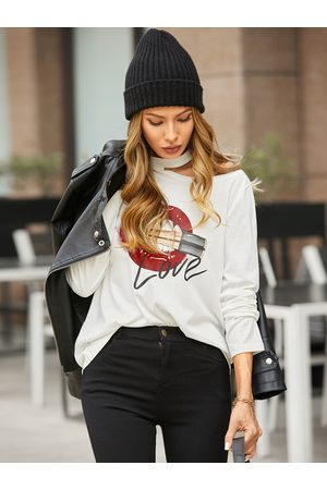 YOINS Graphic Letter Cold Shoulder Long Sleeves Tee
