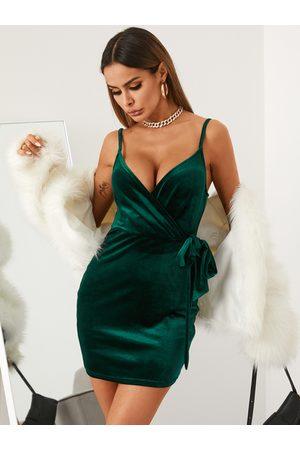 YOINS Deep v neck Bowknot Wrap design Dress