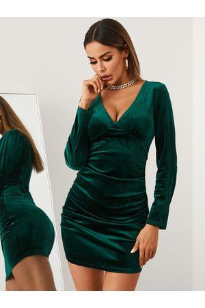 YOINS V-neck Velvet Long sleeves Mini Dress