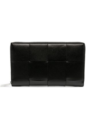 Bottega Veneta Maxi Intrecciato zip-around wallet