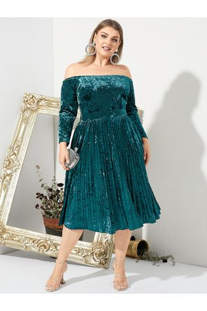 YOINS Plus Size Off The Shoulder Backless Design Pleated Design Long Sleeves Midi Dress