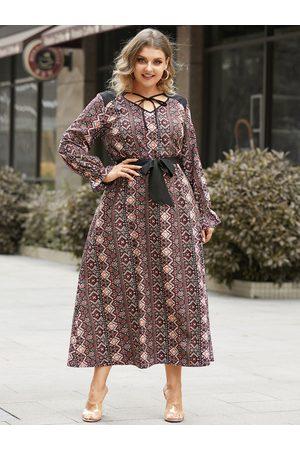 YOINS Plus Size V-neck Tribal Belt Design Tie-up Design Long Sleeves Maxi Dress