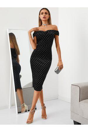 YOINS Off the shoulder Geometric Velvet Midi Dress