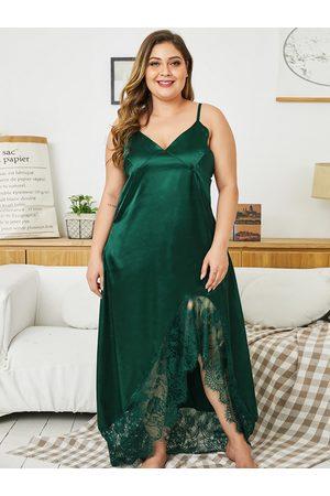 YOINS Plus Size Lace Patchwork V-neck Satin Dress