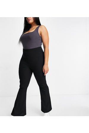 Missguided Ribbed flare trouser in