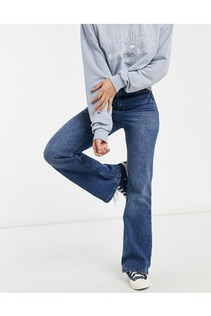 Urban Bliss Straight flare jean in mid wash